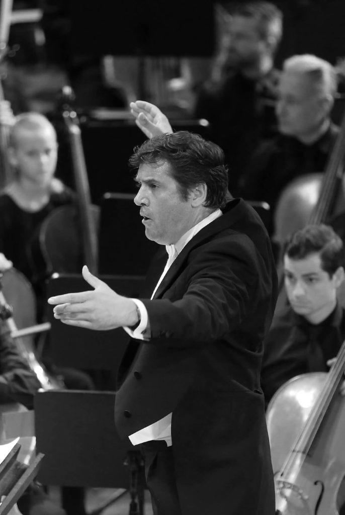 Franz-Jochum-Portrait-Konzert_Dirigent-sw-hf