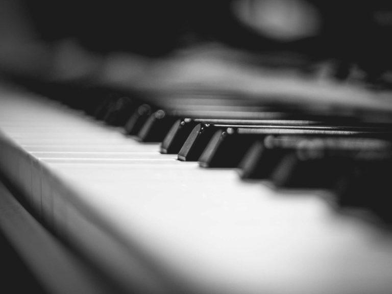 Klavier-Piano-Black-White.jpg