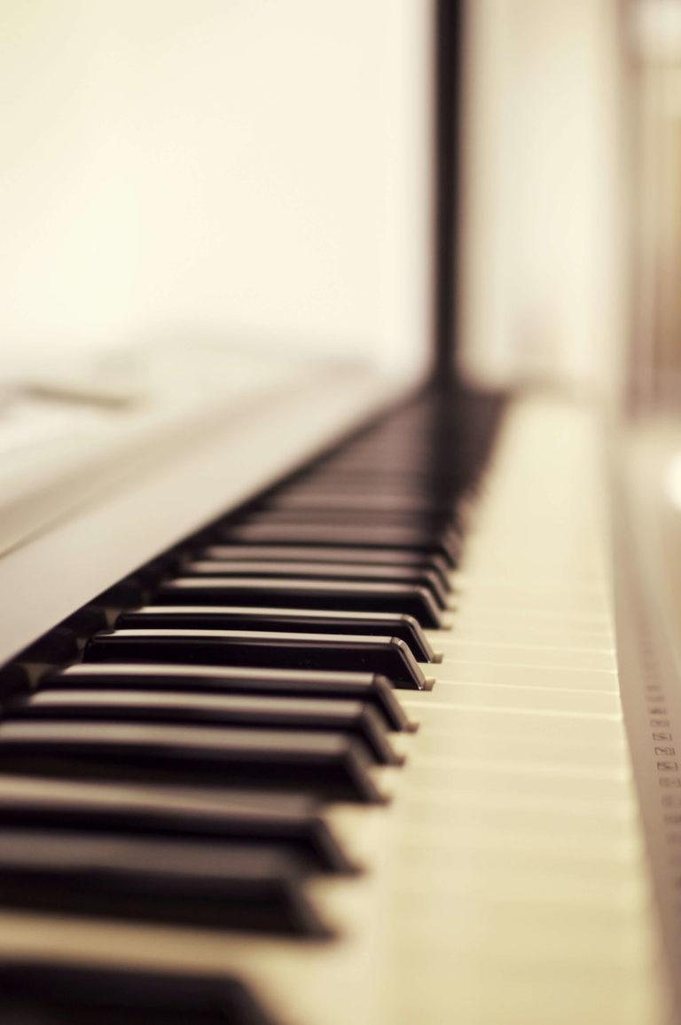klavier-piano-default-image.jpg